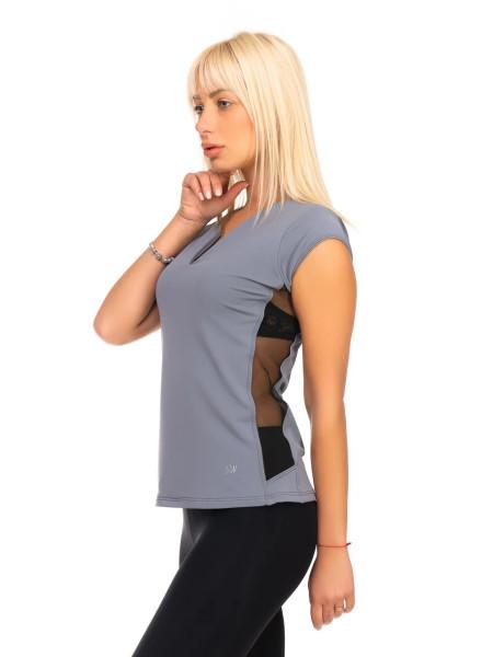 Серая спортивная футболка с сеткой и V-образным вырезом
