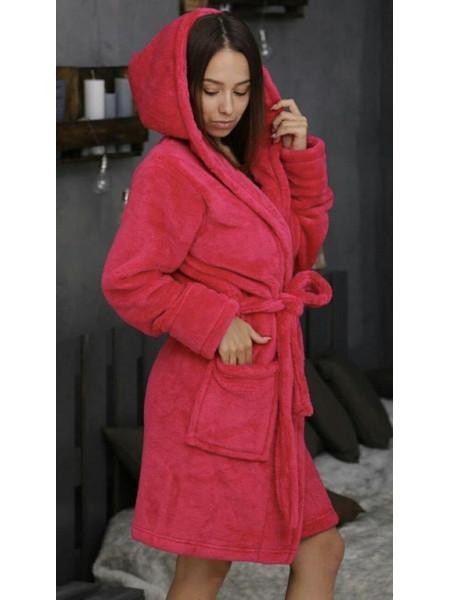 Короткий махровый халат на запах с капюшоном
