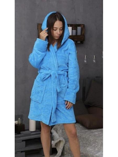 Короткий женский халат на запах с капюшоном