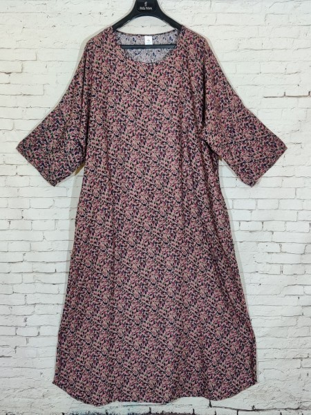 Легкое штапельное платье с рукавами и цветочным узором