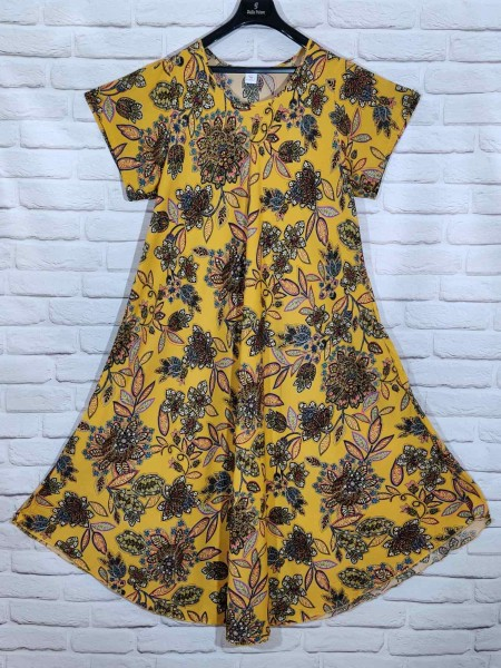 Длинное штапельное платье ламбада жёлтого цвета