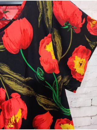 Яркое женское летнее платье красные тюльпаны