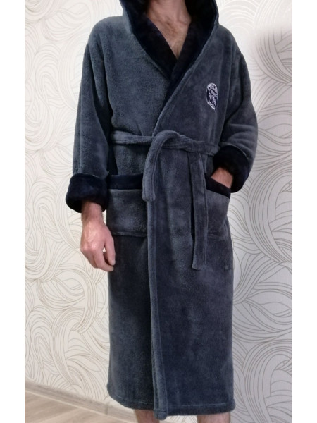 Мужской махровый халат на запах серого цвета